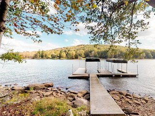 NEW LISTING! Lakefront family home w/dock, private boat slip, hot tub & pool