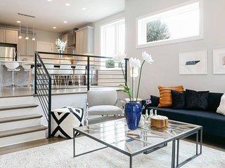 MODERN Designer 9BED/3BA Nashville Home