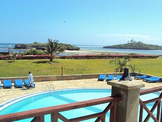 Wonderful Half Board Watamu Adventist Beach Resort Suite