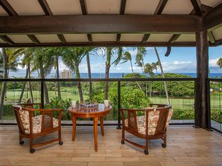NEW LISTING! Amazing, open home on golf course w/ lanai, ocean views, & grill