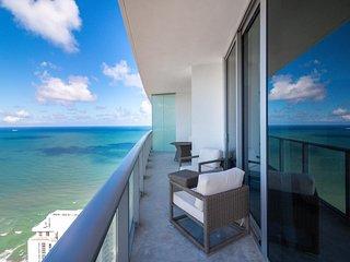 HYDE Beach Resort 3312 - Hollywood Beach by AmmosVR