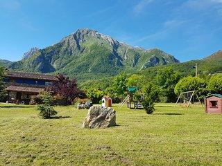 Casas rurales Valle de Bueida, Parque Natural, Senda del Oso, Quirós, Asturias.