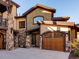 NEW LISTING! Newly built townhome with private hot tub close to resort