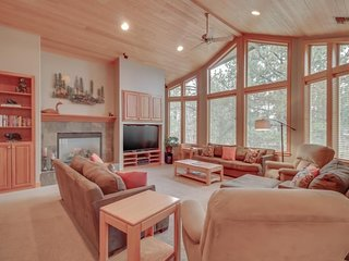 NEW LISTING! Spacious and comfortable home with 12 bikes and a private hot tub!
