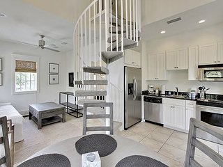 Southern Serenity Carriage House - New Remodel in Rosemary Beach!!