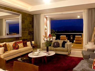 GRAND LUXXE TWO BEDROOM PRESIDENTIAL VILLA