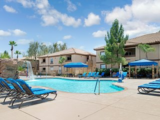 Family-Friendly Condo w / WiFi, Resort Pool, Spa & Gym - 10 Min. to Vegas Strip