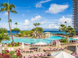 1BR w/FREE WIFI & Ocean View, Resort Pool, Beach, Watersports Equipment & More!