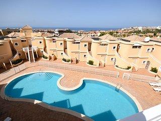 En Costa Adeje, 2 dorm 2 baños en Bajos cerca de la playa el Duque,Tenerife Sur