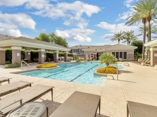 FREE GOLF & MORE! Kierland Commons Fine Dining & Shopping, Hiking, Fitness room,