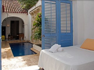 COLONIAL HOUSE Cartagena de Indias,Colombia Beatiful 4 Bedrooms in the Old City