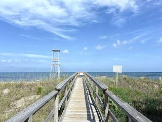 Sea La Vie -  Ocean view cottage in Kure Beach-large decks & easy beach access