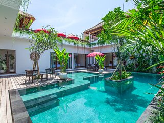 Luxury 4BR & Private Pool Villa in Canggu, 500m from the beach
