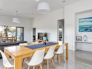 Diamond Bay Beach House: brand new