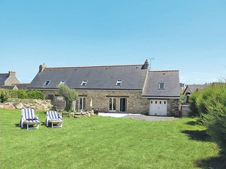 2 bedroom Villa in Pouldreuzic, Brittany, France : ref 5438234