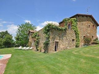 Castello di Montalto Apartment Sleeps 3 with Pool and WiFi - 5241429