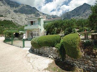 2 bedroom Villa in Bast, Splitsko-Dalmatinska Županija, Croatia : ref 5562035