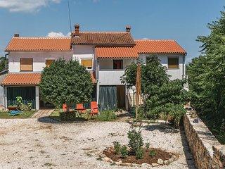 3 bedroom Apartment in Marčana, Istria, Croatia : ref 5552109