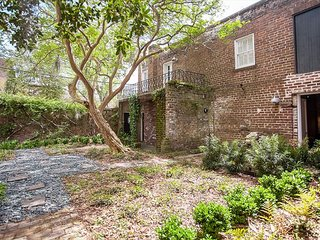 Stay Lucky in Savannah: Historic home with modern upgrades; urban getaway