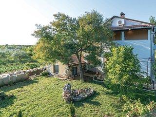 2 bedroom Apartment in Fondole, Istria, Croatia : ref 5552067