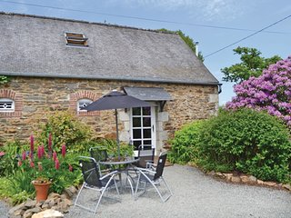 2 bedroom Villa in Saint-Étienne-du-Gué-de-l'Isle, Brittany, France : ref 556545