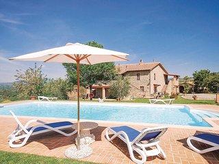 2 bedroom Apartment in Localita' Piantaverna, Tuscany, Italy : ref 5540270