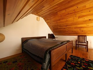 Deodar - Family Suite in a Heritage Cottage