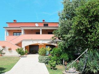 1 bedroom Apartment in Brnobići, Istria, Croatia : ref 5641012