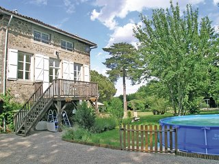 2 bedroom Villa in Saint-Germain-de-Confolens, Nouvelle-Aquitaine, France : ref