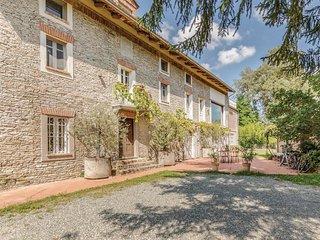 6 bedroom Villa in San Vito, Piedmont, Italy : ref 5673499