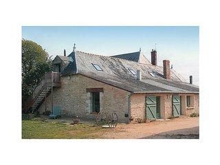 2 bedroom Villa in Saint-Melaine-sur-Aubance, Pays de la Loire, France : ref 556