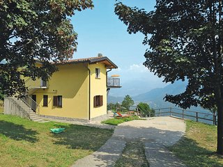2 bedroom Apartment in Corrido, Lombardy, Italy : ref 5441072