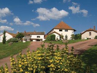 3 bedroom Villa in Meulin, Bourgogne-Franche-Comté, France : ref 5522205