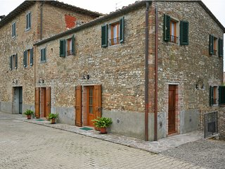2 bedroom Apartment in San Donato, Tuscany, Italy - 5241377
