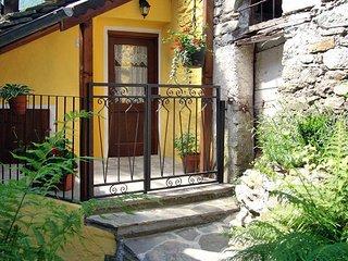 2 bedroom Villa in Calsazio, Piedmont, Italy : ref 5443259