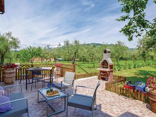 1 bedroom Apartment in Albiano Magra, Tuscany, Italy : ref 5540994