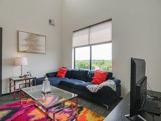 Dormigo Apartment on Top Floor in Trendy 12 South Neighborhood