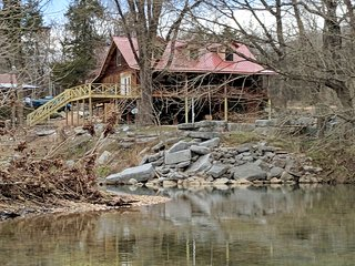 Jane's Bend - Cabin ON Sylamore Creek with Kayaks
