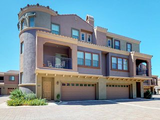 NEW LISTING! Family-friendly condo w/modern amenities, shared pool, sport courts