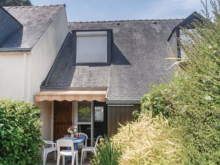 2 bedroom Villa in Saint-Gildas-de-Rhuys, Brittany, France : ref 5522087