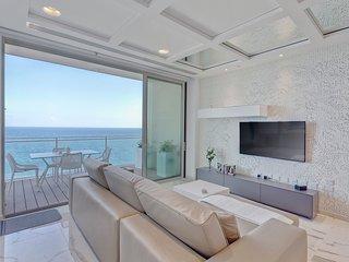 Luxury Apt Ocean Views in Tigne Point, with Pool