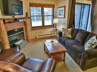 River Mountain Lodge W203 Ski-in Condo Downtown Breckenridge Vacation