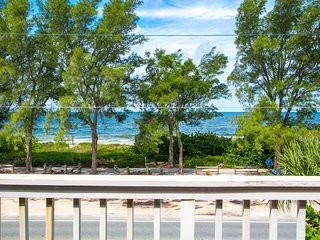 Sunset Landings Condo with direct Gulf views