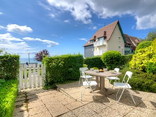 2 bedroom Apartment in Blonville-sur-Mer, Normandy, France : ref 5519127