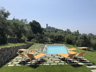 VILLA LA VIGNA  5 PAX Private Pool, A/C, WiFi, few mins beaches/5 Terre