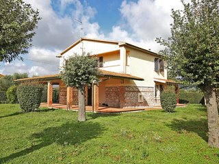3 bedroom Villa in Podere Cernaia, Tuscany, Italy : ref 5651084