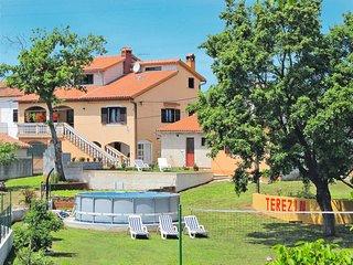 2 bedroom Apartment in Filipana, Istria, Croatia : ref 5638351