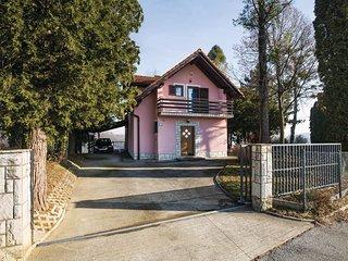 3 bedroom Villa in Štrucljevo, Krapinsko-Zagorska Županija, Croatia : ref 553599