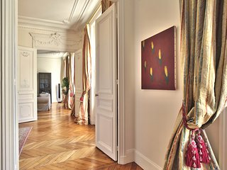 Luxury and spacious apartment 'Arc de Triomphe'(1617)