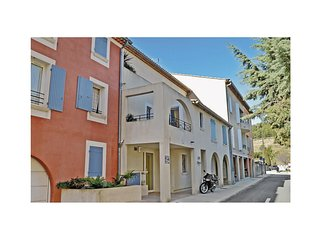 2 bedroom Apartment in Le Beausset, Provence-Alpes-Côte d'Azur, France : ref 552